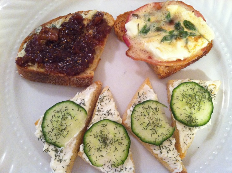 Appetizers hors d oeuvres canapes two chums for New year s eve hors d oeuvres recipes