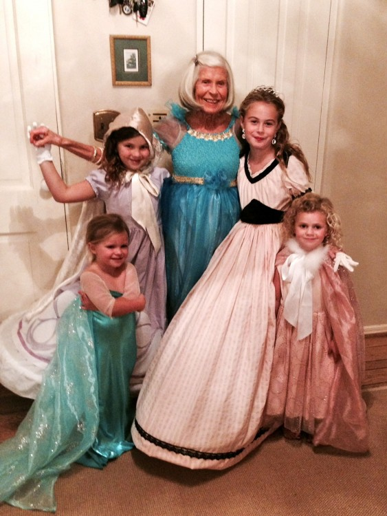 4 princesses and a queen